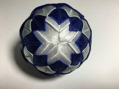 Dekorácie - vianočné patchworkové gule modro-strieborné s bielym lurexom - 7147178_