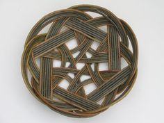 Basket weaving: Celtic Knot by Joe Hogan Weaving Projects, Weaving Art, Willow Weaving, Basket Weaving, Traditional Baskets, Bamboo Art, Irish Traditions, Celtic Art, Fabric Manipulation