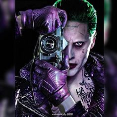 Bankrupt comedian Arthur Fleck (Joaquin Phoenix) encounters violent bandits on the streets of Gotham City. Disregarded by society, Fleck starts to go crazy and becomes the criminal known as the Joker. The Joker, Joker Comic, Harley Quinn Comic, Joker Batman, Joker And Harley Quinn, Gotham Batman, Batman Art, Batman Robin, Comic Art