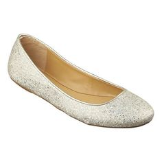 Round toe flat in a variety of colors and fabrics.  This style is available exclusively @ Nine West Stores & ninewest.com.