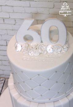 Diamanten-huwelijks-taart.jpg 600×875 pixels