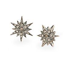 Par de brincos de Ouro Nobre 18K com diamantes cognac - Coleção Stars Modelo: B1B163750 Dimensões aproximadas da joia:  1,4cm x 1,2cm Metal: Ouro Nobre 18K Pedra: Diamante  R$ 7.120 em até 10X de R$ 712,00 Pagamento à vista (10% de desconto)