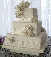 Cake decorated with gardenias