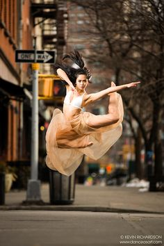 27 Most Popular modern dance photography poses awesome Modern Dance Photography, Photography Winter, Ballet Dance Photography, Street Dance Photography, Urban Photography, Dance Picture Poses, Dance Photo Shoot, Dance Pictures, Alvin Ailey
