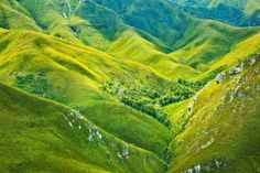 South African mountains beautiful landscape background, green spring aerial view of African continent, scenic wild nature, Outeniqua Pass, ecotourism and travel Beehive Pictures, Mountain Background, Nature Sauvage, Image Nature, Spring Images, Mountain Wallpaper, Landscape Background, World Images, Warm Spring