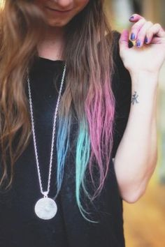 Hair Chalk style pic on Free People. This looks like fun, I think I'll do it in the summer!