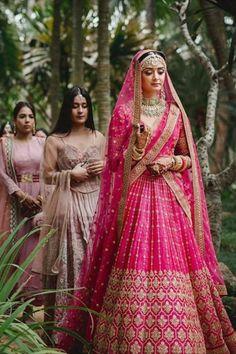 Indian Bridal Photos, Indian Wedding Gowns, Indian Bridal Outfits, Indian Bridal Fashion, Indian Bridal Wear, Wedding Lehanga, Pink Bridal Lehenga, Designer Bridal Lehenga, Red Lehenga