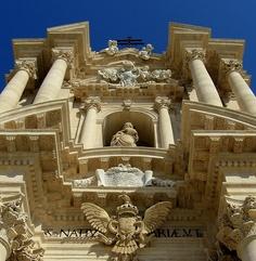 A closer look at Siracusa's Duomo - Sicily 2009: Siracusa 47