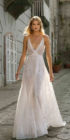 Berta Wedding Dresses Fall 2020 - Napoli Bridal Collection Let's talk about beautiful wedding dresses for a moment, shall we? Berta Wedding Dresses 2020 are the kind of gowns that leave you speechless. Wedding Dress Trumpet, Boho Wedding Dress With Sleeves, Country Wedding Dresses, Best Wedding Dresses, Designer Wedding Dresses, Dress Wedding, Wedding Bride, Hijabi Wedding, Muslim Wedding Dresses