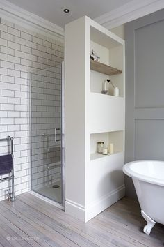 5 shower stall ideas for a small bathroom Loft Bathroom, Upstairs Bathrooms, Family Bathroom, Bathroom Renos, Laundry In Bathroom, Small Bathroom, Bathroom Storage, Bathroom Interior, Master Bathroom