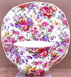 Vintage Royal Winton Chintz teacup Summertime by Tea Time China Cups And Saucers, Teapots And Cups, China Tea Cups, Vintage China, Vintage Tea, Tea Pot Set, Tea Art, Teller, Tea Cup Saucer