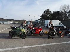 https://youtu.be/drtwvdIOAfc  Track day in Magione (PG - Italy) by Honda CBR 600 RR P-40. Great friends, good race, beautiful day!!!!