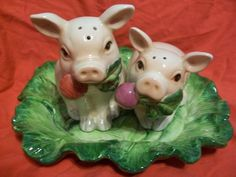 Adorable Fitz and Floyd Classics French Market Pig Salt Pepper Set with Plate |