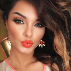 Orange lips, bronzer, brown eye shadows, defined eyebrows, eyeliner and highlighter. Love this make up look Gorgeous Makeup, Pretty Makeup, Love Makeup, Perfect Makeup, Romantic Makeup, Makeup Style, Pretty Hair, Kiss Makeup, Hair Makeup