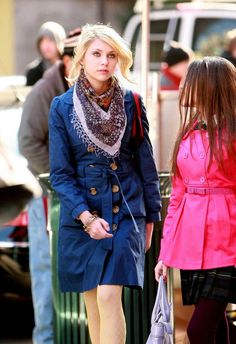 79985f090291 Jenny Humphrey and Elise Wells. 1x15. Gossip Girl Outfits