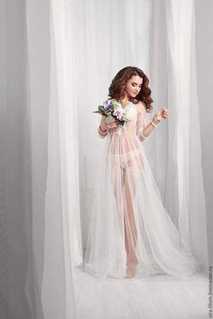 Купить или заказать Будуарное платье 'Нежность' в интернет-магазине на Ярмарке Мастеров. Тончайшее будуарное платье, лёгкое и невесомое. Декорировано кружевными аппликациями, вручную расшитыми бисером и паетками.