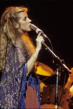 Stevie Nicks. What a beautiful shawl.
