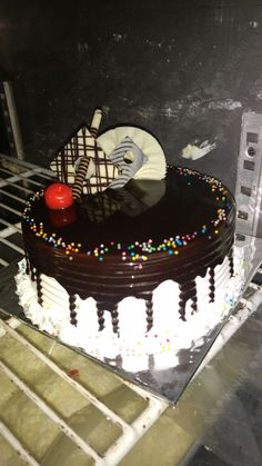 We Deliver Flowers And Cakes Online In Pune You Can Surprise Your Loved Ones By Sending Them Some Fresh Flow