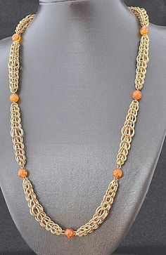 A classy Chainmallie necklace
