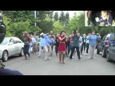 Flash mob proposal on youtube. amazing.
