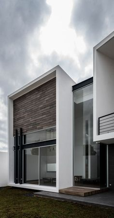 Image 1 of 28 from gallery of R+P House / ADI Arquitectura y Diseño Interior. Photograph by Oscar Hernandez Architecture Today, Residential Architecture, Interior Architecture, Building Facade, Building A House, Facade House, Modern House Design, Exterior Design, Future House