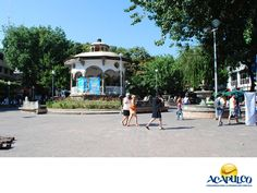 https://flic.kr/p/LH3YHb | El centro histórico de Acapulco. NOTICIAS DE ACAPULCO_3 | #informacionsobreacapulco El centro histórico de Acapulco. NOTICIAS DE ACAPULCO. El Centro Histórico de Acapulco, se conforma por la plaza Álvarez y sus alrededores. Allí se encuentra la catedral de la ciudad y la mayoría de los barrios más antiguos del puerto, donde podrás pasear y disfrutar del excelente clima en compañía de tu familia y amigos. Te invitamos a disfrutar de las maravillas que el puerto de…