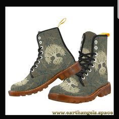 Tree of life boots 🎄🌴🌲 Brown Boots Outfit, Goth Boots, Yellow Boots, Timberland Stiefel Outfit, Floral Combat Boots, Timberland Waterproof Boots, Shoe Company, Hippie Outfits, Try On