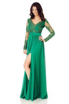 Rochie Darma Verde - Dantela brodată compune modele armonioase pe voalul verde proaspăt al rochiei elegante de seară Darma, pentru ca tu să ai o alură diafană şi îndrăzneaţă. Cu o croială avantajoasă, fluidă şi accentuată prin cordon în zona taliei, această ţinută uimeşte prin eleganţa senzuală, s