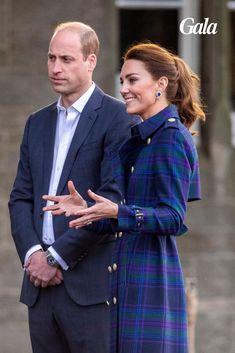 En voyage officiel en Ecosse, Kate Middleton a de nouveau brillé par son élégance. Une paire de boucles d'oreilles empruntées à Elizabeth II est notamment loin d'être passée inaperçue. Looks Kate Middleton, Loin, Officiel, Elizabeth Ii, Fashion, Ears, Boucle D'oreille, Locs, Travel