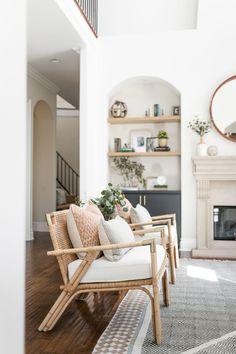 Easy Home Decor, Cheap Home Decor, Home Decor Items, Home Decor Accessories, Classic Home Decor, Luxury Homes Interior, Luxury Home Decor, Dream Home Design, House Design