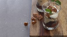 Enjoy all the wonderful flavours of turtle chocolates in this easy-to-make, no fuss trifle. Make the day before in a glass serving dish or individual glasses. Vegetarian Brunch Recipes, Vegetarian Lunch, Vegetarian Recipes Dinner, Desserts Menu, Healthy Dessert Recipes, Summer Desserts, Epicure Recipes, Cooking Recipes, Chocolate Turtles