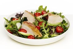 Kyllingsalat med avokado Avocado Salat, Vinaigrette, Cobb Salad, Food Porn, Strawberries, Vinaigrette Dressing, Treats