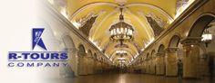 Moskovski metro je podzemna železnica sa najvećim brojem prevezenih putnika na svetu, u proseku 8,1 milion putnika, što je više od broja koji prevezu metroi u Londonu i Njujorku zajedno. Metro u Moskvi je specifičan jer zbog svoje efikasnosti i lepote predstavlja pravo remek-delo ljudske kreativnosti u graditeljstvu i jedan je od simbola Moskve i Rusije.  http://www.rtours.rs/moskva-aranzmani/moskovski-metro