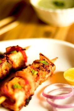 Pan fried or grilled Paneer Tikka a popular Indian appetizer and perfect dish to serve at your next barbecue! Best Indian Recipes, Ethnic Recipes, Vegetarian Recipes, Snack Recipes, Snacks, Delicious Recipes, Grilled Paneer, Tikka Recipe, Tandoori Masala