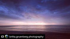 #Repost @britta.gruenberg.photography with @repostapp #bestofshootcamp  zwischen Himmel und Meer  #himmel#sky#wolken#clouds#sonne#sun#wasser#warer#ostsee#balticsea#shootcamp#blau#blue#natur#nature