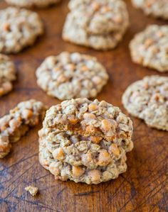 INGREDIENTS:  1 large egg 1/2 cup unsalted butter (1 stick) 1/2 cup light brown sugar, packed 1/4 cup granulated sugar 1 tablespoon vanilla extract 1 1/2 cups old-fashioned whole rolled oats (not...