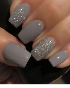 Schöne graue Nägel mit Glitzer – Garten Herbst Idee Beautiful gray nails with glitter / Gel Pedicure, Pedicure Colors, Pedicure Ideas, Pedicure Designs, Nail Ideas, Glitter Pedicure, Grey Nail Polish, Gray Nails, Gradient Nails