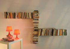 Shelving : Unique Design DIY Book Shelves Floating On The Wall With Small Square Table With Glass Lamp Easy Steps for DIY Wall Shelves Diy Bookshelf. How To Build A Bookcase. Floating Bookshelves, Wall Bookshelves, Bookshelf Design, Diy Wall Shelves, Book Shelves, Book Storage, Modular Bookshelves, Bookcases, Do It Yourself Einrichtung