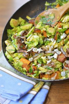 Virtually Homemade: Pan Roasted Brussels Sprouts with Butternut Squash, Crispy Shallots and Gogonzola Cheese #fallfest