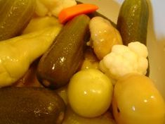 Hordós savanyúság Stuffed Peppers, Fruit, Vegetables, Food, Diet, Cilantro, Stuffed Pepper, Essen, Vegetable Recipes