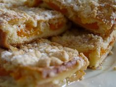 NAŠE KUCHYNĚ: Rychlá buchta s jablky a tvarohem #Buchty, Domácí koláče, Jablka, Tvaroh