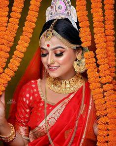 Bengali Bridal Makeup, Bengali Wedding, Bengali Bride, Bridal Makeup Looks, Bride Makeup, Wedding Makeup, Bridal Chura, Girl Senior Pictures, Durga Goddess