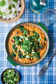 This dhal with spinach and tomatoes is great on its own or served alongside steamed white fish. Full of lentils and vegetables and fragrant spice flavours, this makes a cheap and healthy meal. Red Lentil Recipes, Curry Recipes, Veggie Recipes, Indian Food Recipes, Vegetarian Recipes, Cooking Recipes, Healthy Recipes, Free Recipes, Good Food