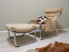 RELAX! bequemer Sessel mit verchromtem Metallgestell, Polster bezogen mit grob gewebtem naturfarbenem Leinenstoff... #RelaxSessel #Sessel #70erSessel #Seventies #LeinenStoff #RetrosalonKöln #Retrosalon #Vintagemöbel #vintagefurniture #vintage #Upcycling #interiordesign #interior #Inneneinrichtung #Einrichtung #Inneneinrichter #Köln