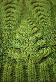 Dripstones Cowl by Justyna Lorkowska. Ravelry.. Looks like a fern