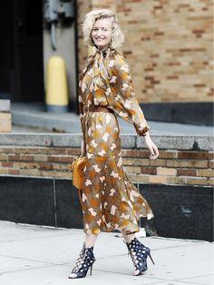 Wir zeigen euch die besten Kleider gegen Montags-Bluesund wie ihr sie im Herbst kombinieren könnt. Bestes Beispiel zeigt dieser Streetstyle!