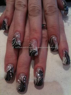 Black tulle and grey nail art