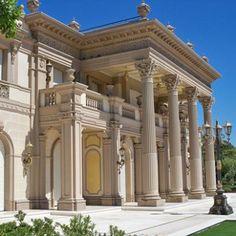 Building Facade, Building Exterior, Luxury Home Decor, Luxury Homes, Architecture Details, Architecture Art, Stone Masonry, Construction Cost, Beautiful Castles