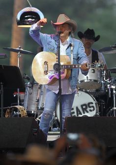 Dwight Yoakam Photo - 2013 Stagecoach Californias Country Music Festival - Day 2