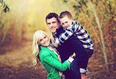 Art gorgeous family posing #cute baby| http://lovely-newborn-photos.lemoncoin.org
